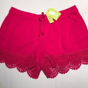 NWT Crazy 8 lace-trimmed shorts